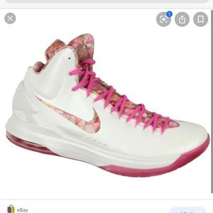 KD Nike aunt pearl shoes size 9.5
